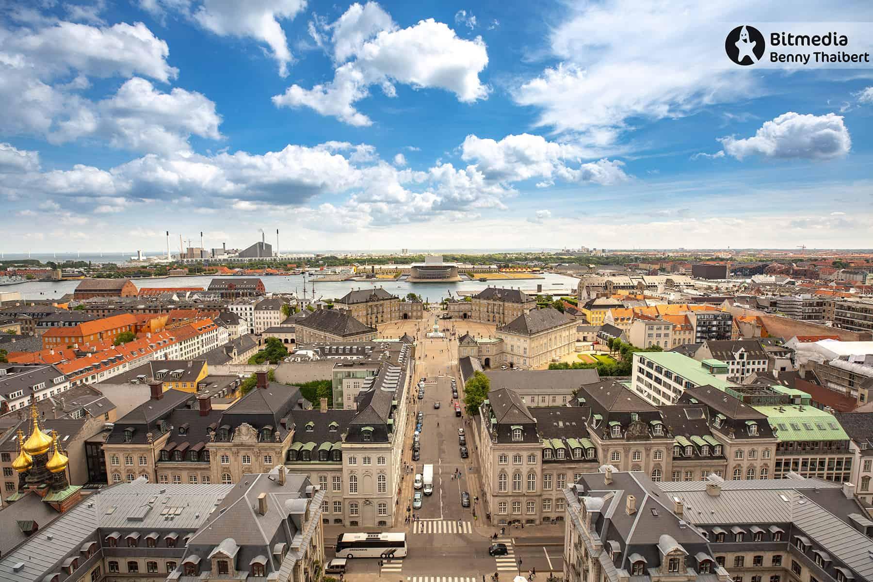 Amalienborg og Operaen.